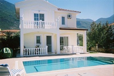 Photo for Luxury Open Plan four bedroom Villa. Large stepped pool. Good location. sleeps 8