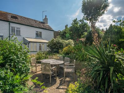Photo for 3 bedroom Cottage in Charmouth - DC155