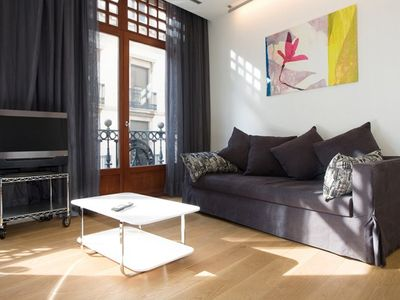 Photo for Apartment in the center of Barcelona with Internet, Air conditioning, Lift, Balcony (443113)