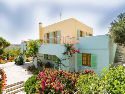 Photo for Traditional Cretan Villa, Located Close To The Beach And Main Sights