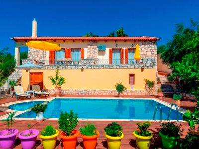 Photo for This 3-bedroom villa for up to 6 guests is located in Asteri  and has a private swimming pool, air-c
