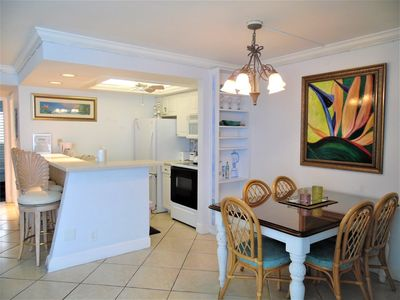 Photo for AFFORDABLE CONDO ON SANIBEL THAT ALLOWS NIGHTLY AND WEEKLY RENTALS! PERFECT FOR 5 NIGHTS.