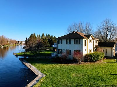 Photo for Gorgeous Waterfront Home On Lake Simcoe
