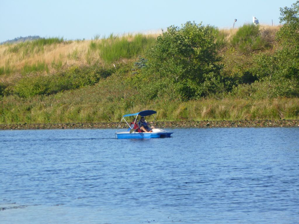 Gearhart lakefront vacation rental homeaway gearhart 5 passenger paddle boat sciox Gallery