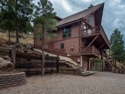 Photo for Bear Mountain, Big style in the Big pines with the most amazing views. Wow.