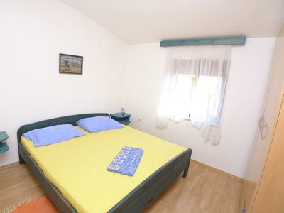 Photo for Apartment for six persons with 3 bedrooms and partial sea view