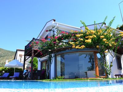 Photo for Luxury villa with infinity pool and jacuzzi within 2 minutes walk of the sea