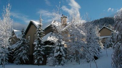 Photo for Forest Trails 28  3 Bedroom Pet Friendly Townhome with Scenic Mountain Views