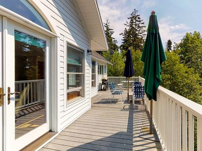 Photo for Bayfront home w/ beautiful views, large deck & shared dock/tennis - dogs OK!