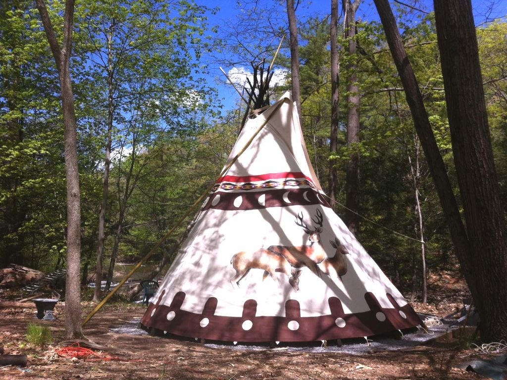 sioux tipi overlooking a waterfall one h vrbo. Black Bedroom Furniture Sets. Home Design Ideas