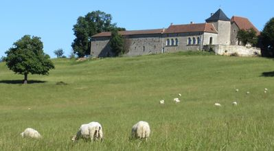 Photo for 9/10 people - 5 guest rooms at the top of Périgord - Panoramic view