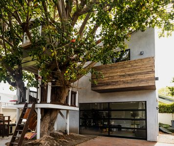 Photo for NEW LISTING !! Venice Beach Guesthouse In The Trees