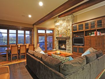 Luxury 3BD Village at Northstar Residence w/ Ski Valet - Northstar Lodge 404