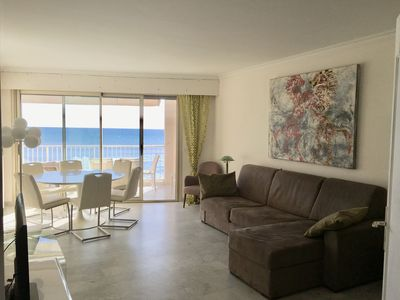Photo for Large charming 3-room apartment, seafront, direct access to Gazagnaire Beach, garage