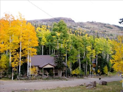 Great Cabin within walking distance of the Slopes!