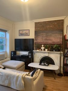 1 Cozy & Centrally Located Brownstone Apartment - Brooklyn
