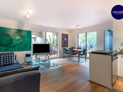 Photo for SURRY HILLS TERRACE APARTMENT POOL & GYM