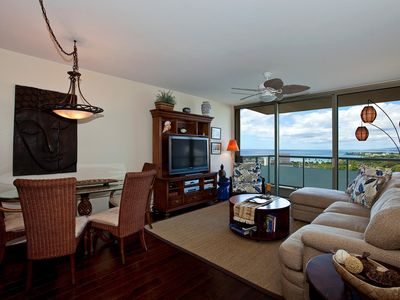 Photo for Waikiki Watermark w/ Ocean Views, Close to Ala Mona Beach Park