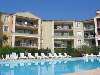 Photo for 150 m from Beach | Sleeps 6 - Kitchenette & Balcony  | Pool + Gym