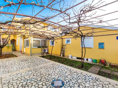 Photo for Comfortable apartment with bedroom, bathroom, kitchen, WiFi, terrace, barbecue and pets are also welcome