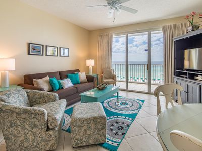 Photo for Gorgeous unit, 2 beach chairs included, Quick drive to dining