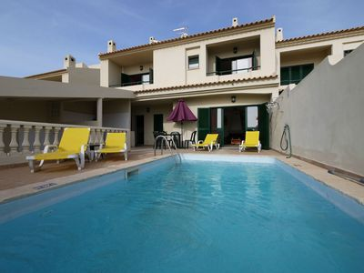 Photo for 2 Bedrooms Villa, Air Conditioning, Private Pool, Great Central Albufeira Location. For 2-7 persons