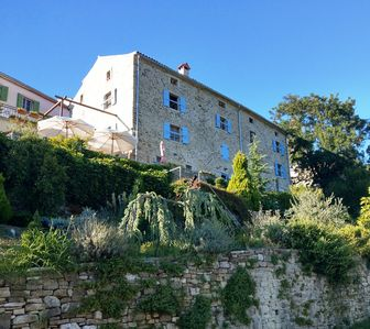 Photo for Truffles, wine, olives - oasis of well-being in the countryside - RUINE, garden residence