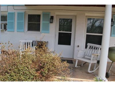 Photo for Hood Lower Apartment - 1/ BR/1 BA efficiency apt easy access & priced for BUDGET conscious.