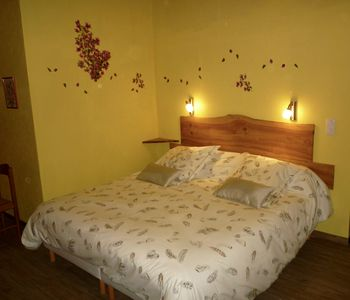 Photo for Charming guest room 5 pers. spa access, wifi, air conditioning, all comfort