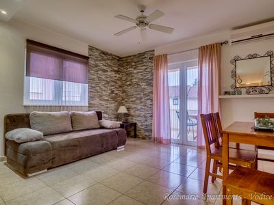 Photo for Quiet location, free Wi-Fi, private parking, modern decor