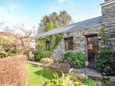 Photo for CWM CAETH COTTAGE, with a garden in Beddgelert, Ref 933979