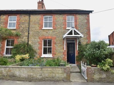 Photo for 2 bedroom Cottage in Bridport - 75198