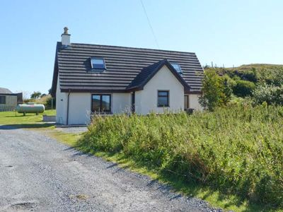Photo for SEALLADH AN LOCHA COTTAGE, family friendly in Portree, Ref 913911