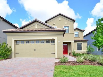 Photo for Champions Gate 5 Bed, 4.5 Bath vacation home with pool and spa.
