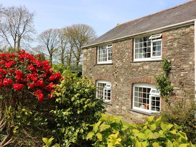 Photo for BLACKSMITH'S COTTAGE, pet friendly, with a garden in Looe, Ref 959955
