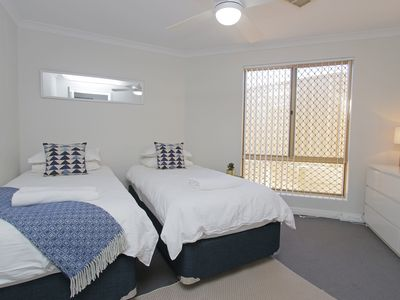 Photo for AZURE VILLA CLOSE TO PERTH AND FREMANTLE
