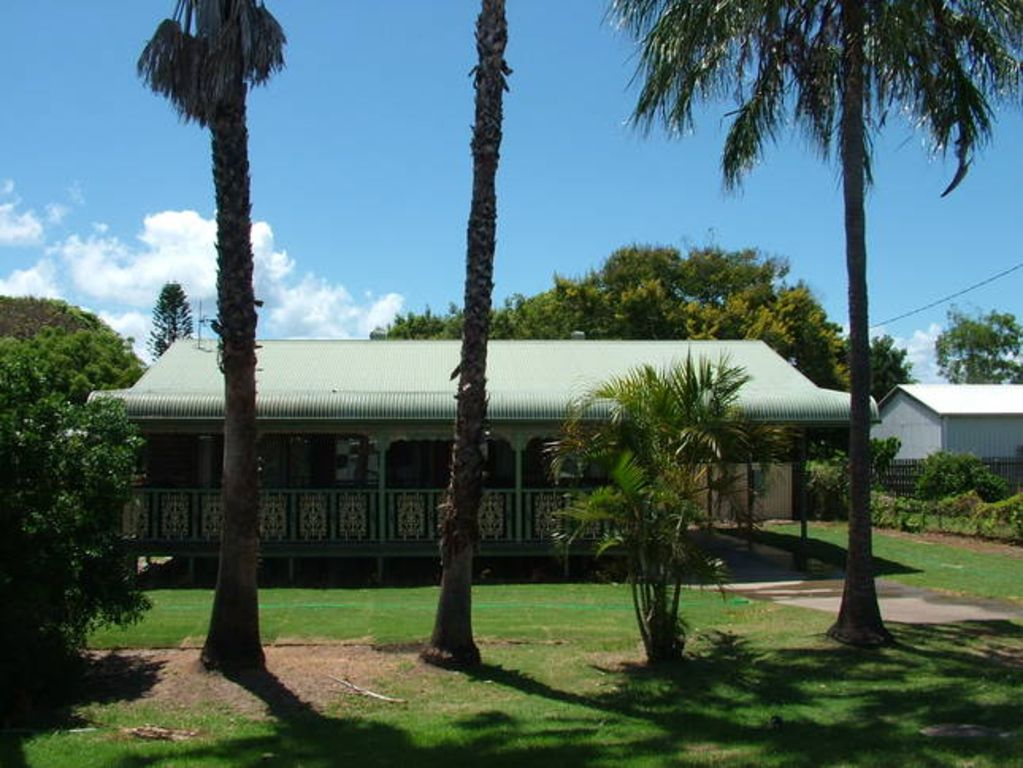 Storey's Beach House - Location Location