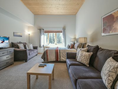 Photo for Modern & Clean Ski Studio -Gateway Lodge 5061, Free Shuttle to Slopes!