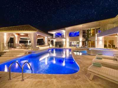 Bachelor Mansion Punta Cana - 24 GUEST - Luxury 9BR Villa Coral GATED Community