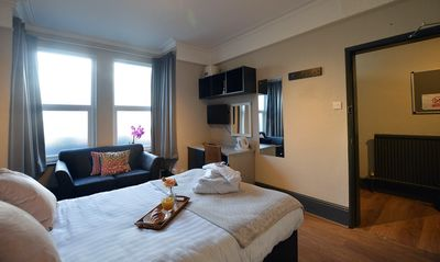 Large Double with Shared Bathroom - Spa Suite