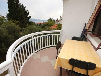 Photo for One bedroom apartment with terrace and sea view Gradac (Makarska)