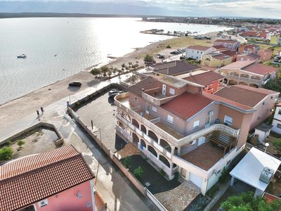 """Photo for Apartment """"Kata"""" with air conditioning and WiFi ** DIRECTLY BY THE SEA ** Island VIR App. 2"""