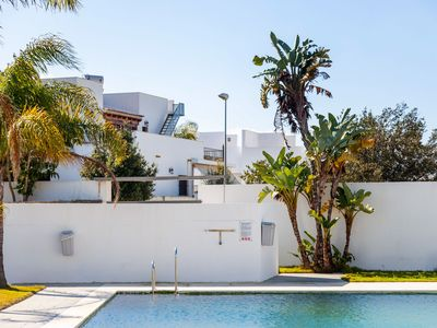 Photo for Modern Studio Apartment Close to Beach with Air-Conditioning and Wi-Fi