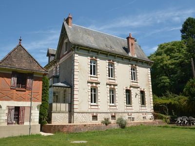 Photo for Large 4 * 5 bedroom family cottage in Sologne near Beauval Zoo and Castles