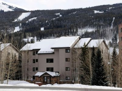 Photo for Large 3BR/3 Bath ski area condo, 1600 Sq. Ft.; 7 separate beds; Private. Hot Tub