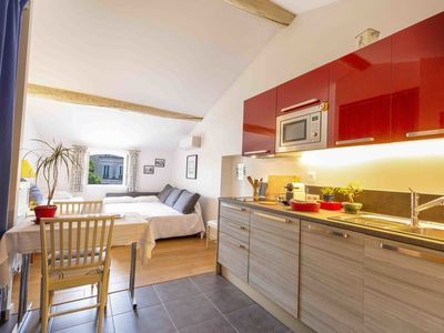 Photo for Home Sweet home 32: perfect location in the heart of old Antibes