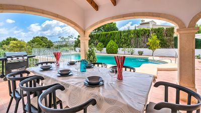 Photo for Newly renovated luxury villa,large private pool,great views,and near the beach