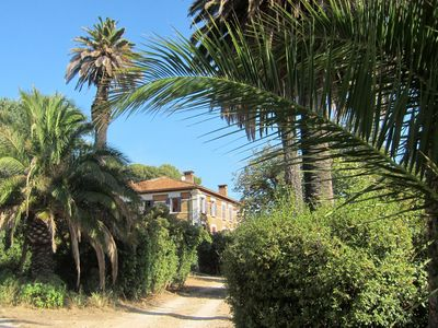 Photo for Apartment of 80m² in a Provencal country house of the 18th century