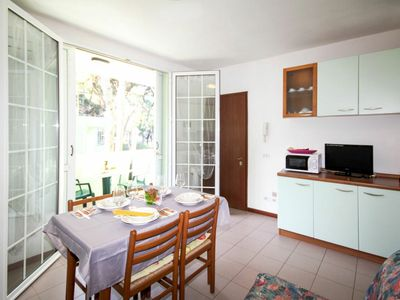 Photo for Lovely apartment for 6 guests with WIFI, A/C, TV, balcony and parking