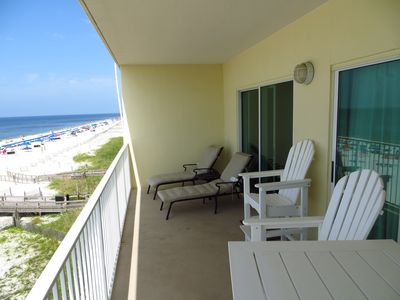 Unobtrusive, direct views of the Gulf of Mexico from your balcony.
